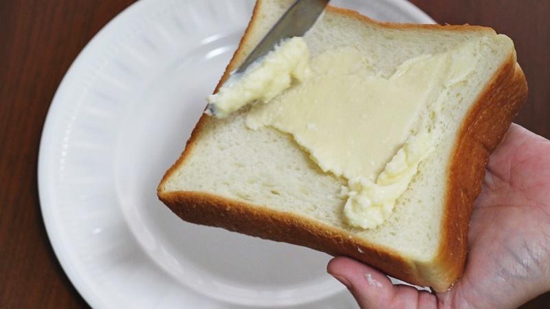 食パンにぬる